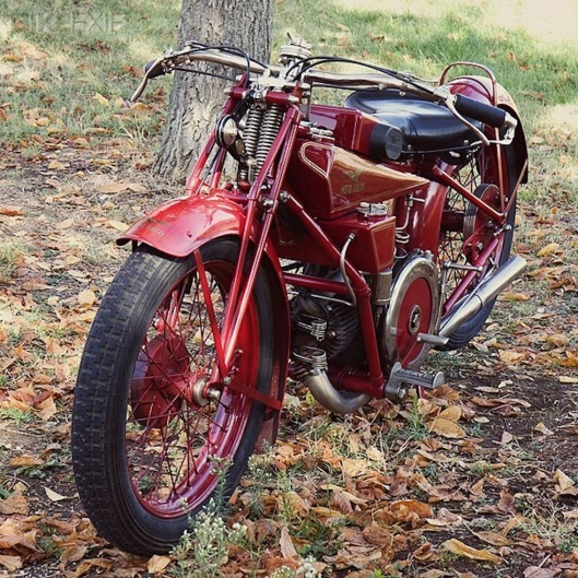 001_vintage-moto-guzzi-180