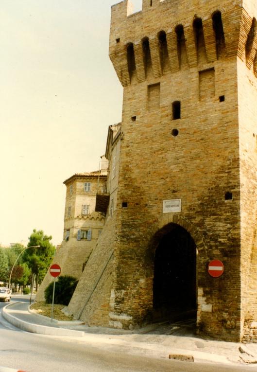 002_Torre180