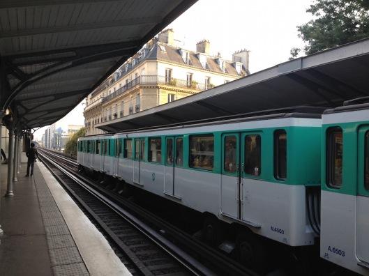 000_metro_passy-180